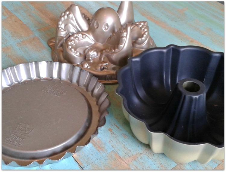 ornate cake pans